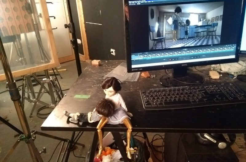 puppets from Un Coeur d'Or are set on animation table